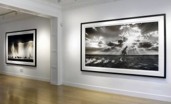 David Yarrow at Delahunty Fine Art Gallery, Mayfair, London.